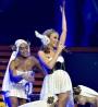 "Kylie Minogue lança DVD e Blu-Ray da turnê ""Aphrodite LesFolies"""